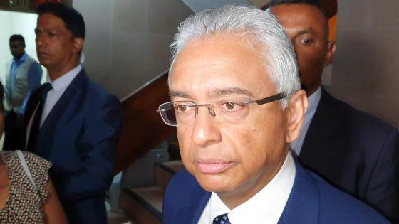Pravind Jugnauth parlant de Prakash Maunthrooa : «Linn dir mwa ki li pou step down partou»
