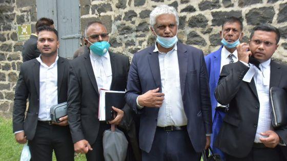 Plainte de Yogida Sawmynaden : Rama Valayden autorisé à partir après son interrogatoire aux Casernes centrales