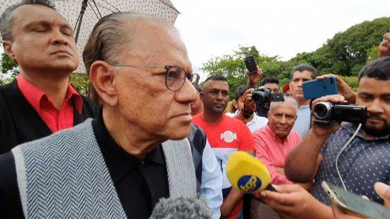 Dépôt de gerbes au Samadhi de SSR -Navin Ramgoolam : «Le Parti travailliste symbolise l'unité»
