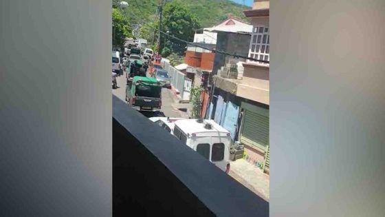 Assassinat de Manan Fakhoo : forte présence des policiers à Vallée-Pitot lors d'une reconstitution des faits
