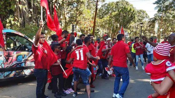 Les fans de Liverpool à Maurice célèbrent le 6e trophée des Reds en C 1