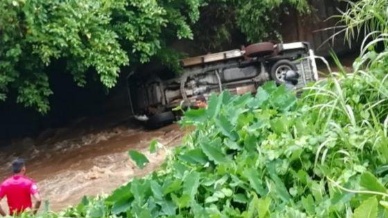 Ripailles : un 4x4 fait une sortie de route, deux blessés