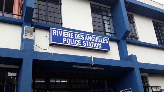 Escroquerie alléguée : une sexagénaire arrêtée pour fausse promesse d'emploi dans la force policière