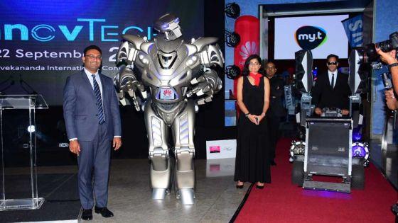 Technologies :Inauguration du Salon Innovtech par Titan le robot