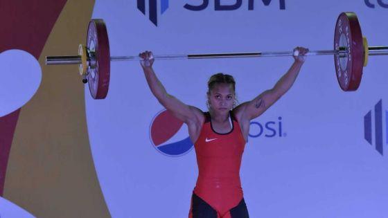 JIOI : la Mauricienne Roiyla Ranaivosoa décroche l'or à l'arraché en haltérophilie, nouveau record des Jeux