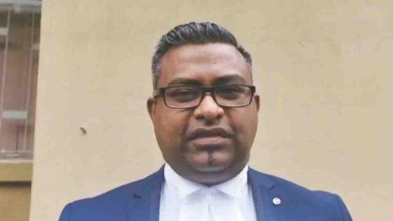 Assassinat de Manan Fakhoo : Yassin Meetoo se plaint d'avoir été privé d'une assistance légale, selon Me Mooroongapillay