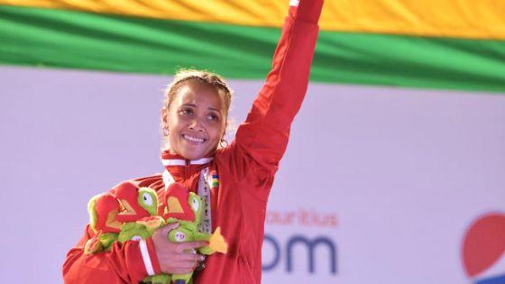 «Mo dir Moris mersi» dit la Mauricienne Roilya Ranaivosoa après avoir décroché trois médailles d'or en haltérophilie