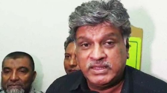 Salim Muthy qualifie sa rencontre avec les membres de la Commission électorale de «cordiale»