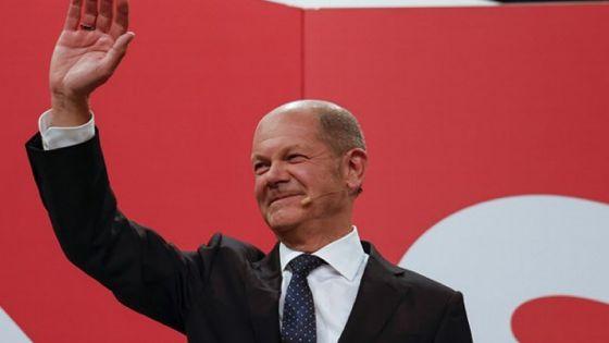 Allemagne : le SPD de peu en tête, succession de Merkel incertaine