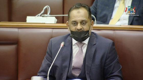Débats budgétaires - Reza Uteem se demande qui va rembourser les dettes