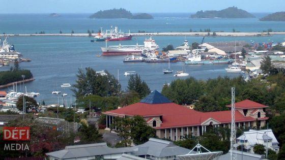 Covid-19 : les Seychelles pourraient ne pas pouvoir payer les salaires des fonctionnaires au prochain trimestre, selon Reuters