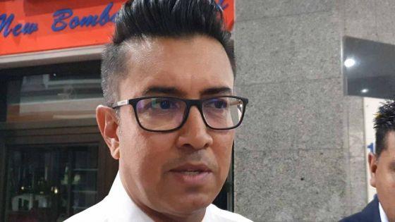 «Tous les citoyens doivent être responsables pour aider les institutions», dit Shakeel Mohamed