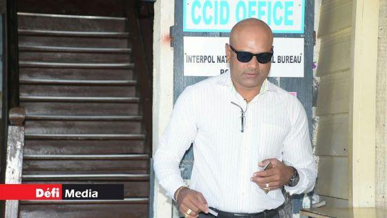 Shibchurn allègue qu'un chef inspecteur de police utilise un faux compte Facebook affichant son nom