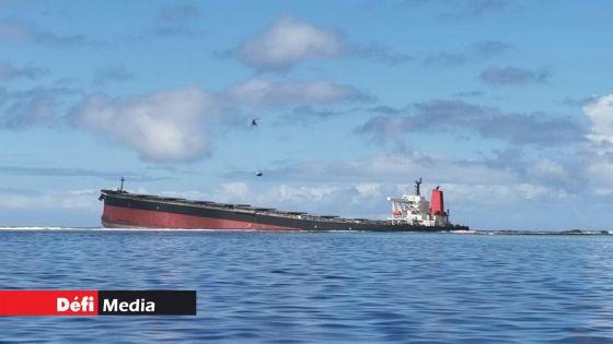 Pointe-d'Esny : deux navires-citernes dépêchés par le propriétaire du Wakashio pour transférer le fioul