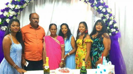 Sa fille tuée en pleine rue : Sunita, une mère frappée par la douleur le jour de ses 57 ans