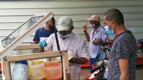 Reprise partielle - St-Pierre : un marchand de roti trace sa vie