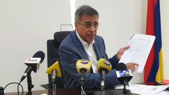 Essence contaminée : Xavier-Luc Duval demande une indemnisation pour les automobilistes touchés