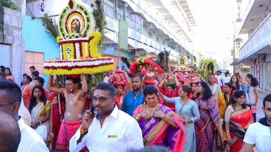 Celebration : Tout le folklore du Thaipoosam Cavadee 2020 avec le dévot Nessen Permal