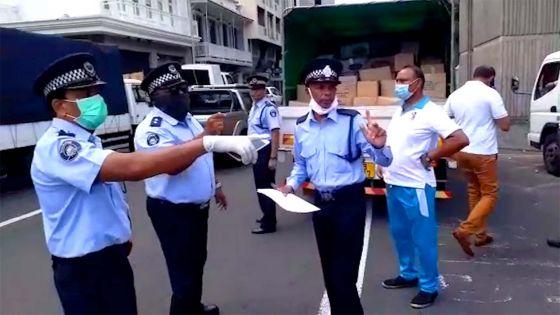 Distribution de vivres aux nécessiteux : les choses s'activent devant l'hôtel du gouvernement