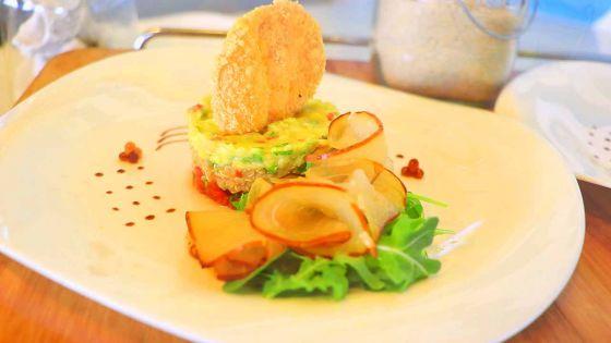 Un chef une recette:Tartare d'avocat accompagné de marlin