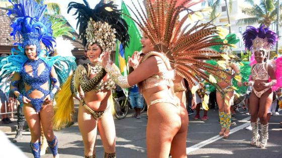 Festival Internasional Kreol : ambiance de carnaval dans les rues de Grand-Baie