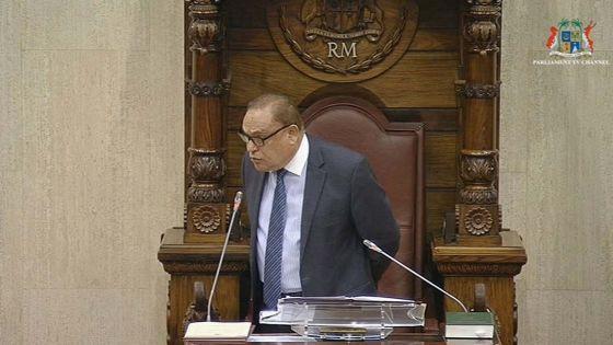 Au Parlement : le Speaker à Bhagwan : « This is my voice »