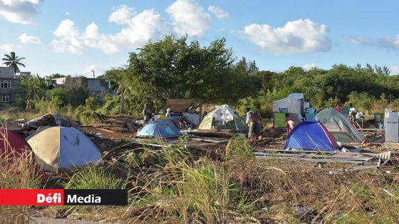 Des squatters de Pointe-aux-Sables refusent de quitter les terres de l'État