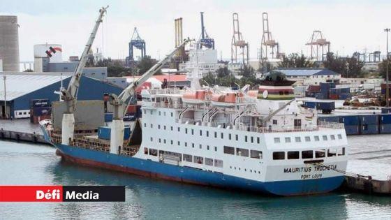 Sri Lanka : les marins à bord du Mauritius Trochetia toujours bloqués, faute de vol