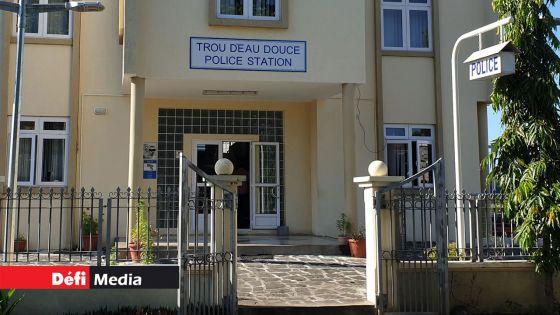 Agression d'une dame de 85 ans et vol de sa pension : 5 individus interpellés puis relâchés
