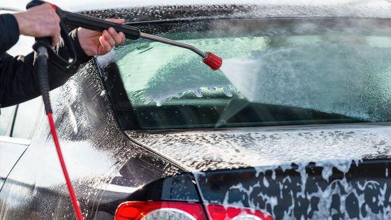 Interdiction de laver véhicules, trottoirs ou bâtiments, entre autres, à l'aide d'un tuyau d'arrosage à partir du 1er décembre