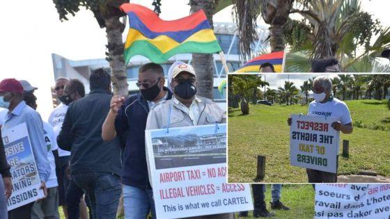 Les chauffeurs de taxi de l'aéroport prêts à entamer des négociations avec le ministère du Transport