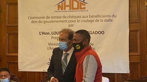 Covid-19 : Maurice au même niveau que l'EU en matière de vaccination, selon Obeegadoo