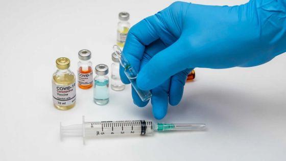 Covid-19 : comment les personnes non-vaccinées représentent un risque pour le monde, selon des experts