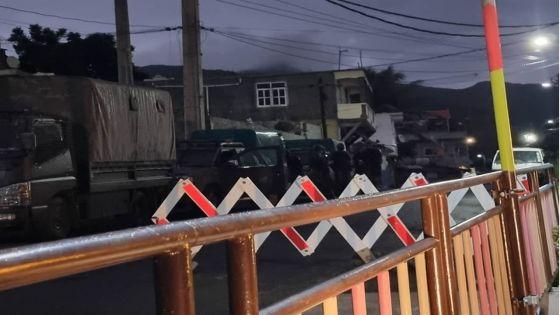 Vallée-Pitot : les barrages policiers rétablis