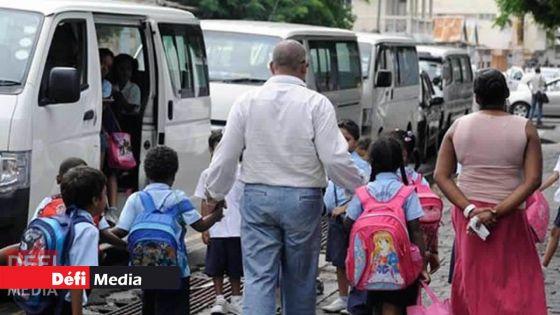 Les parents non-vaccinés pourraient être interdits d'accès dans les établissements scolaires