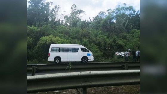 Midlands : une voiture fait une sortie de route, deux blessés