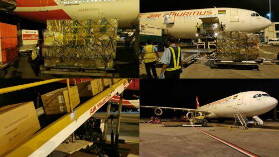 [En images] Covid-19 : le premier vol spécial MK en provenance de Chine débarque avec 20 tonnes de matériel médical