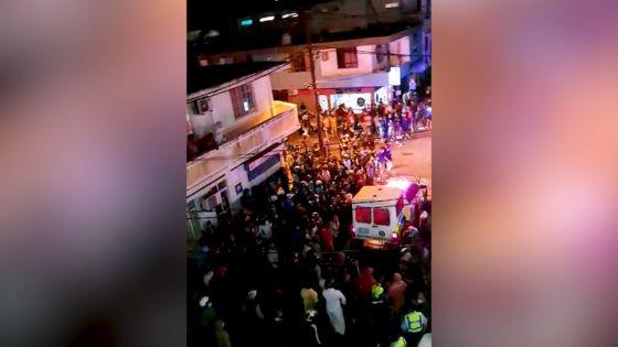 Zone rouge : des habitants de Vallée-Pitot expriment leur colère dans la rue