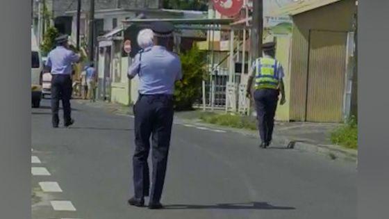 Highlands : la police 'à la criée' pour encourager les habitants à se faire dépister