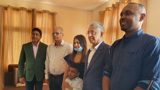 Rodrigues : le PM rend visite à la première famille connectée à la fibre optique dans l'île