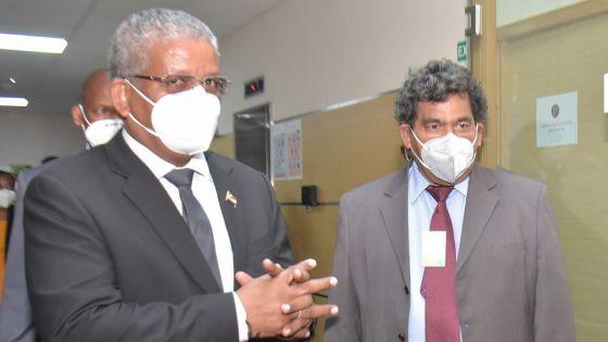 Visite de Wavel Ramkalawan : le président seychellois dit souhaiter une meilleure connectivité aérienne interîles.