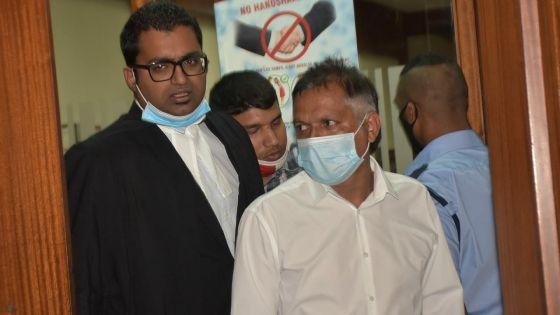 Complot allégué : Deepak Persand obtient la liberté provisoire