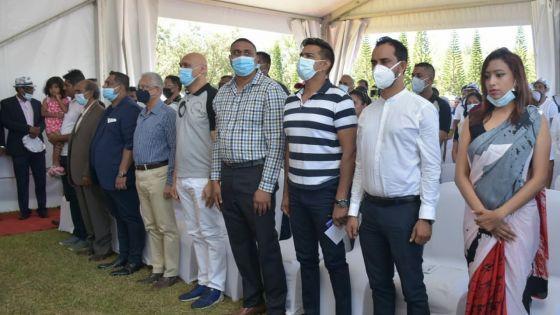 Kermesse : Pravind Jugnauth exhorte les fonctionnaires à prendre soin de leur santé et à éviter de fumer