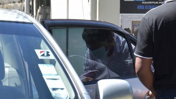Boonomally autorisé à partir après son interrogatoire «under warning» au poste de police de Moka