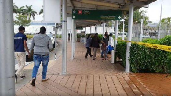 Réouverture des frontières : en direct de l'aéroport Plaisance