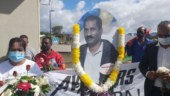 Marche pacifique et dépôt de gerbes : une stèle de Soopramanien Kistnen dévoilée au rond-point de Telfair