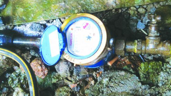 À Terre-Rouge: Un seul tuyau d'alimentation pour deux maisons
