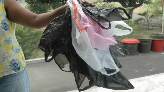 Les fabricants de sac plastique contre-attaquent