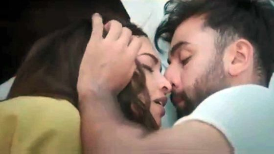 Tamasha: un long baiser torride entre Rambir Kapoor et Deepika Padukone censuré