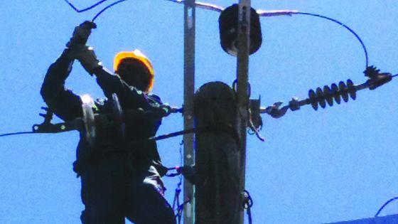 Famille démunie à Highlands: frais exorbitants pour la connexion électrique